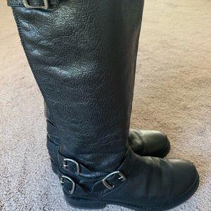 Frye Veronica back zip boots black